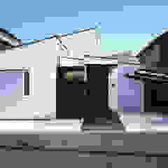 フラットハウス Modern Houses by 株式会社横山浩介建築設計事務所 Modern