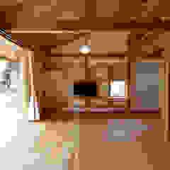 八街の家 和風デザインの リビング の 高野三上アーキテクツ一級建築設計事務所 TM Architects 和風