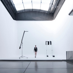 Studio moderno di Ramiro Zubeldia Arquitecto Moderno