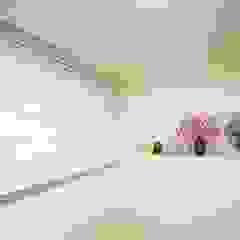광교 서재형거실 홈스타일링(Kwanggyo APT) 모던스타일 창문 & 문 by homelatte 모던