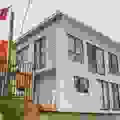 Leonardo Saavedra ONG Vivienda Local Modern houses