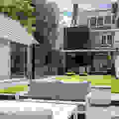 Verbouwing stadswoning Minimalistische tuinen van B-TOO Minimalistisch