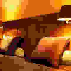 sypialnia/ dom jednorodzinny/ Starowa Góra Kolonialna sypialnia od Awer Design Kolonialny