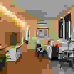 Casa Moema Salas multimídia ecléticas por Tria Arquitetura Eclético