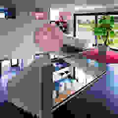 Ruang Media Gaya Mediteran Oleh Klaus Geyer Elektrotechnik Mediteran
