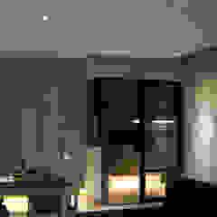 BTO @ Punggolin Hotel Style Modern kitchen by Designer House Modern