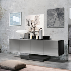 BandIt Design Corredor, vestíbulo e escadasCômodas e estantes Ferro/Aço Metalizado/Prateado