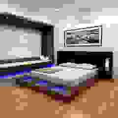 Asian style bedroom by Shadab Anwari & Associates. Asian