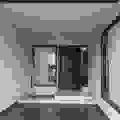 Residence For Mr Akshdeep S Modern garage/shed by H.S.SEHGAL & ASSOCIATES Modern