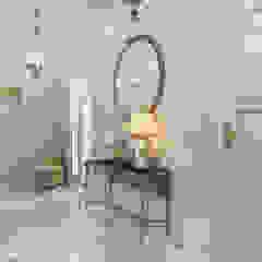 Pasillos, vestíbulos y escaleras de estilo clásico de Alexander Krivov Clásico
