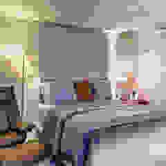 Chambre moderne par Milla Holtz & Bruno Sgrillo Arquitetura Moderne