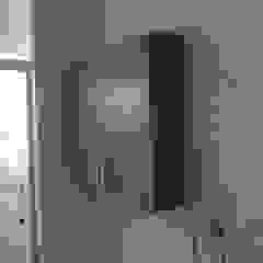 Cesar Vargas Carpintería en General Classic style bathroom Chipboard Wood effect