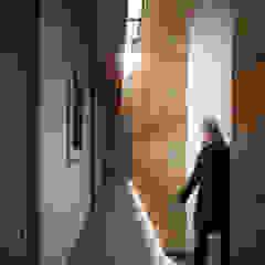 Modern Corridor, Hallway and Staircase by Gliptica Design Modern Concrete