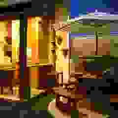 Tropical style balcony, porch & terrace by ARQ Ana Lore Burliga Miranda Tropical Solid Wood Multicolored
