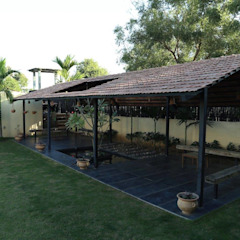 Kasliwal bungalows Minimalist garage/shed by 4th axis design studio Minimalist Wood Wood effect