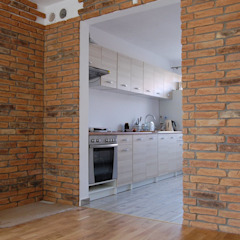 Rustic style corridor, hallway & stairs by ITA Poland s.c. Rustic اینٹوں