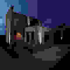 Propuesta de iluminación Casas modernas: Ideas, imágenes y decoración de Florencia Tascón - Arquitecta Moderno