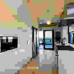Modern kitchen by Coetzee Alberts Architects Modern
