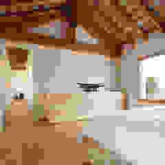 Minimalist bedroom by ALDENA Minimalist