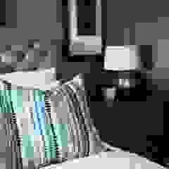 Dormitorios de estilo clásico de Margaret Berichon Design Clásico Madera Acabado en madera