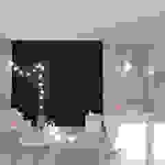Chambre d'enfant scandinave par Interjo Scandinave Bois Effet bois