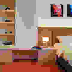 Retro Chic | CONDOMINIUM Eclectic style bedroom by Design Spirits Eclectic
