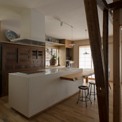 松戸市H邸 カントリーデザインの キッチン の スタジオ・スペース・クラフト一級建築士事務所 カントリー タイル