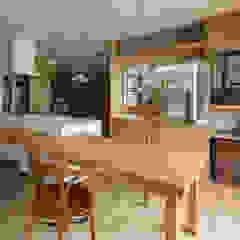 من スタジオ・スペース・クラフト一級建築士事務所 بلدي خشب متين Multicolored