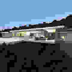 Villa e - Saint-Tropez Maisons modernes par ARRIVETZ & BELLE Moderne