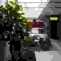 Garajes modernos de homify Moderno
