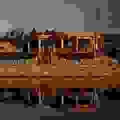 Altana w Nakle nad Notecią Rustykalne domy od Organica Design & Build Rustykalny