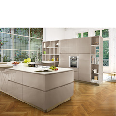 High Gloss Open Plan Kitchen Modern style kitchen by Schmidt Kitchens Barnet Modern MDF