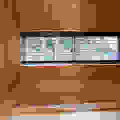 「人も空気も回遊する」一色のソーラーハウス オリジナルな スパ の アーキラボ 一級建築士事務所 オリジナル 木 木目調