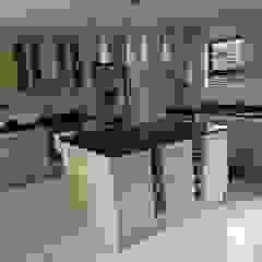 Tony's Kitchen Modern kitchen by TCC interior projects cc Modern Chipboard