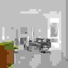Open concept living space ZeroEnergy Design 现代客厅設計點子、靈感 & 圖片 White