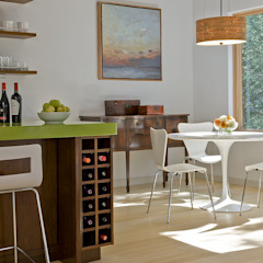 Kitchen wine storage and dining area ZeroEnergy Design 餐廳