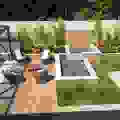 Tropical style gardens by GEA Arquitetura Tropical