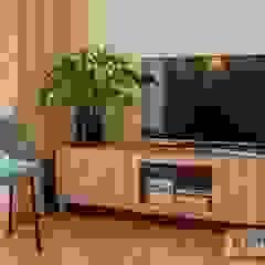 Salón con zona para televisión AMS decora SalonesMuebles de televisión y dispositivos electrónicos