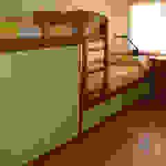 CASA GARRIGUES Dormitorios infantiles mediterráneos de RIBA MASSANELL S.L. Mediterráneo Madera Acabado en madera
