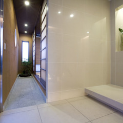 Franka Modern Corridor, Hallway and Staircase