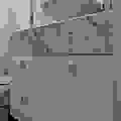 Daiana Oliboni Design de Interiores モダンスタイルの お風呂 白色