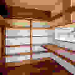 太子町の家-terrace side house- モダンデザインの 書斎 の 祐建築設計事務所 モダン