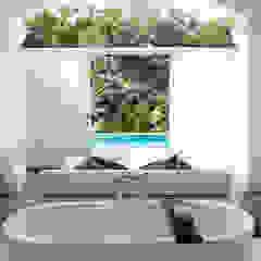 Amara Sanctuary - Larkhill Terrace Tropical style hotels by Deirdre Renniers Interior Design Tropical