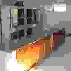 Modern kitchen by Lineasur Arquitectos Modern Ceramic