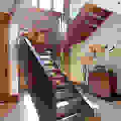 Corredores, halls e escadas campestres por homify Campestre