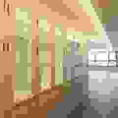 클래식한 유럽풍 아파트 인테리어 46py 클래식스타일 복도, 현관 & 계단 by 홍예디자인 클래식