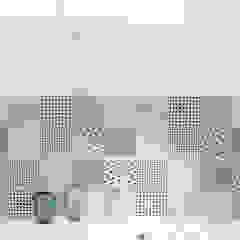 Scandinavian style bathroom by dekoratorka.pl Scandinavian
