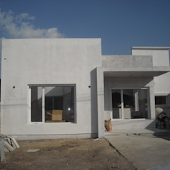 by G-R Arquitectura