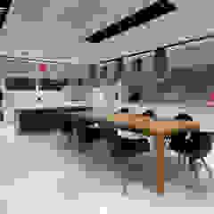 Jeffer Henrich Kitchen Wood White