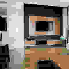 apartament w północnej części Krakowa Minimalistyczny salon od Ormezowski - projektowanie wnętrz Minimalistyczny